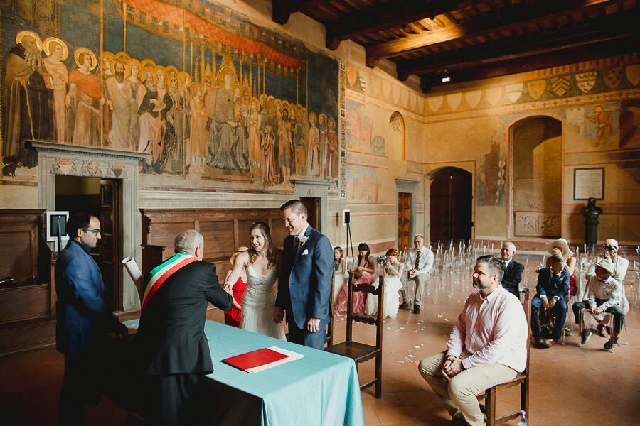 Sala Matrimonio Toscana : Fotografo matrimonio san gimignano sala dante v errico